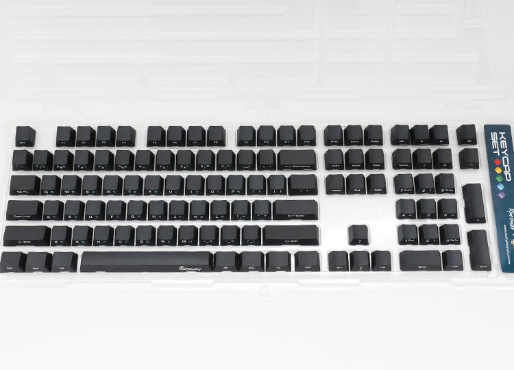 素黑為鍵帽底色<br /> 英文字母為白色印刷<br /> 注音為淺藍色印刷