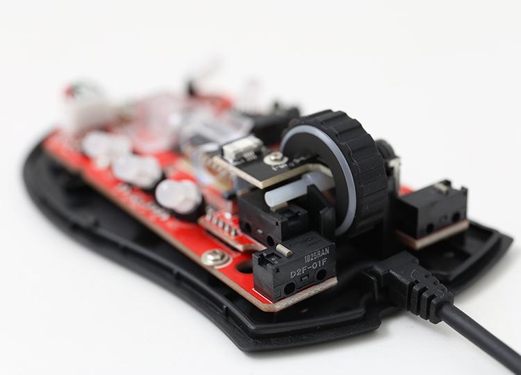 Ducky Secret在所有的Micro Switch都採用了全日本製造的Omron Switch(D2F-01F)。日本製造的Omron Swtich更加的耐用,也提供了更加穩定的手感。