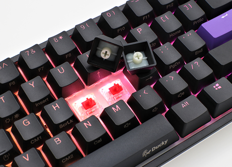 PBT double-shot seamless keycaps <br /> German Cherry MX key switches