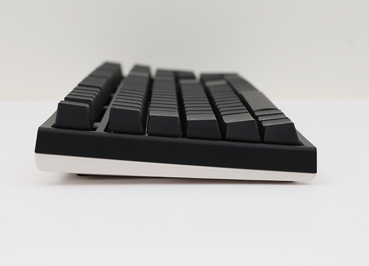 The new bezel design shares a similar sleek frame as it's predecessor, but the One 2 incorporates dual colors on the bezel to match all varieties of keycap colorways.
