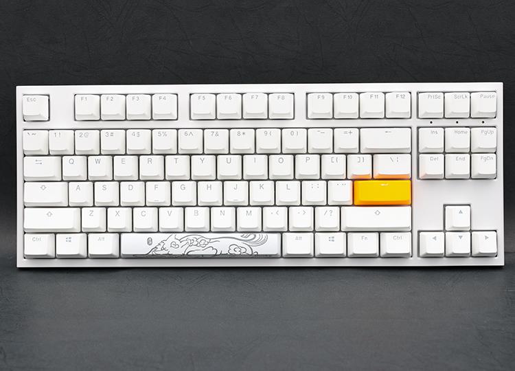 整把鍵盤為全白色LED背光