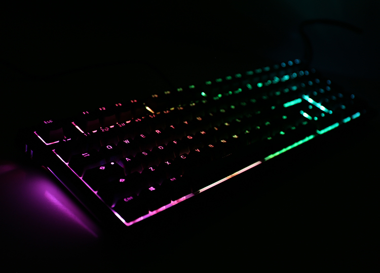 RGB LED on each side of the keyboard providing many modes<br />