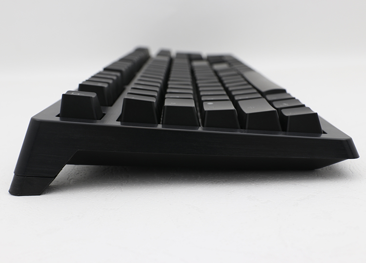 Ducky Shine 4 brings you a great mechanical keyboard with a modern understated look. A subtle hairline finish adds a bit of texture to the keyboard and complements the new look.
