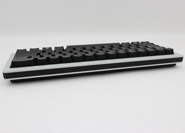 回歸到鍵盤本質就是要打字,Ducky Mini提供最低的鍵盤高度,讓使用者的手腕不會有負擔,打字更為順暢。